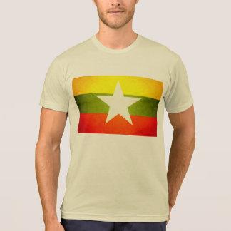 日曜日はミャンマーの旗に接吻しました Tシャツ