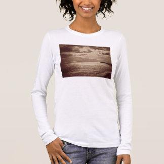 日曜日、ノルマンディーc.1857 (セピア色の写真の効果 tシャツ
