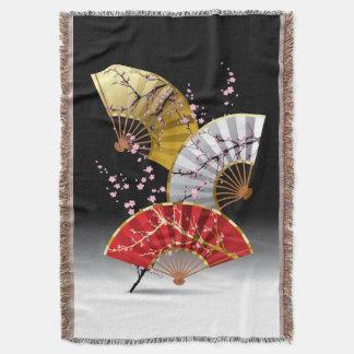 日本のなさくらんぼのファンによって編まれるブランケット スローブランケット