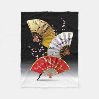 日本のなさくらんぼは小さいフリースブランケットに送風します フリースブランケット