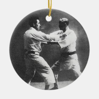 日本人のJudoka JigoroカノKyuzo Mifueの柔道 セラミックオーナメント