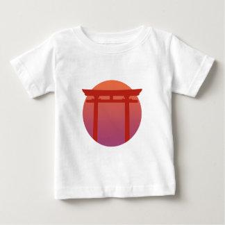日本人のTorriの赤いゲート-日没-禅-日本語 ベビーTシャツ