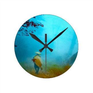 日本古いヴィンテージの日本のな霧の旅行者 ラウンド壁時計