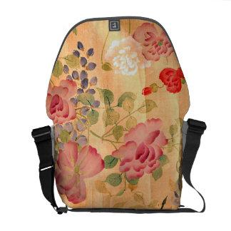 日本藤のばら色の花の花柄のメッセンジャーバッグ クーリエバッグ