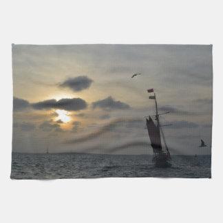 日没に航海 キッチンタオル