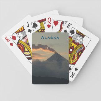 日没のアラスカの火山 トランプ