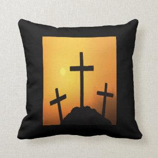 日没のイースター3つの十字 クッション