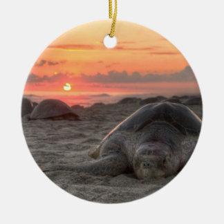 日没のウミガメ セラミックオーナメント