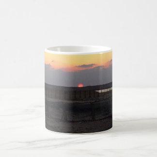 日没のコーヒー及びタンブラー コーヒーマグカップ