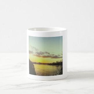 日没のコーヒー・マグ コーヒーマグカップ