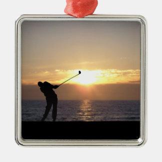 日没のゴルフを遊ぶこと メタルオーナメント