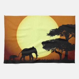 日没のサファリ象 キッチンタオル