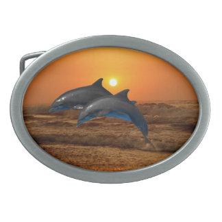日没のバンドウイルカ 卵形バックル