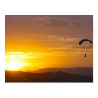 日没のパラグライダー ポストカード