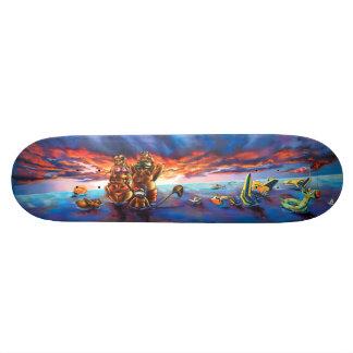 日没のビーチ及び異様な水おもちゃ- Streetart Sk8のデッキ スケートボード