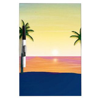 日没のビーチ場面 ホワイトボード