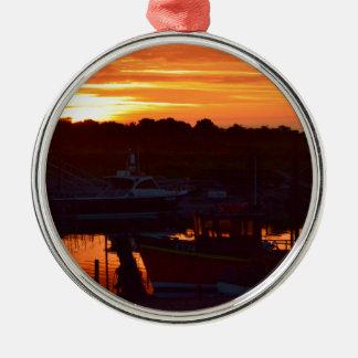 日没のボート シルバーカラー丸型オーナメント