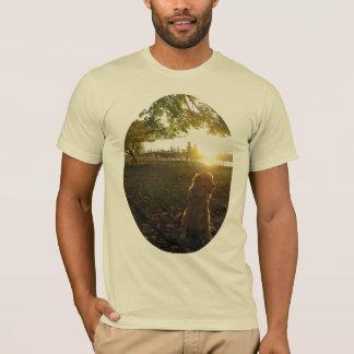 日没の人のTシャツで貯蔵所によって金 Tシャツ