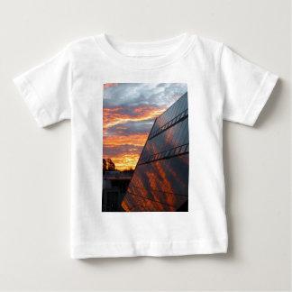 日没の反映 ベビーTシャツ