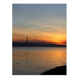 日没の川テーガス川上の橋 ポストカード