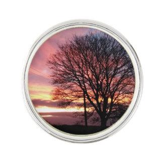日没の木の秋色 ラペルピン