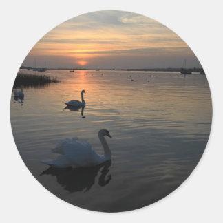 日没の白鳥 ラウンドシール
