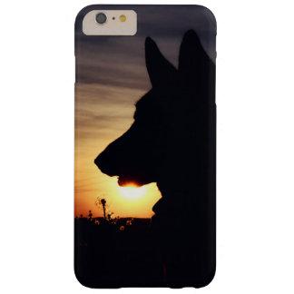 日没の美しいジャーマン・シェパード BARELY THERE iPhone 6 PLUS ケース