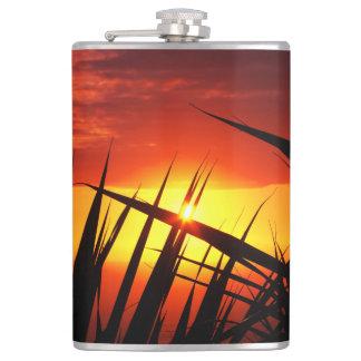 日没の美しい景色葉 フラスク