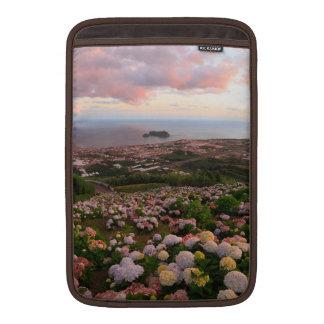 日没のAzorean町 MacBook スリーブ