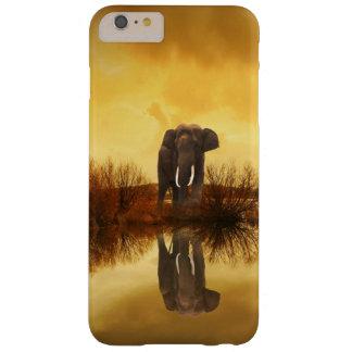 日没のiPhoneの場合の象の反射 Barely There iPhone 6 Plus ケース