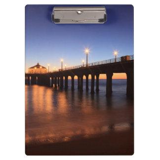 日没のManhattan Beach桟橋、カリフォルニア クリップボード