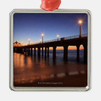 日没のManhattan Beach桟橋、カリフォルニア メタルオーナメント