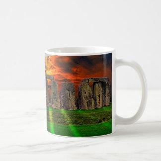 日没のStonehengeの永続的な石 コーヒーマグカップ