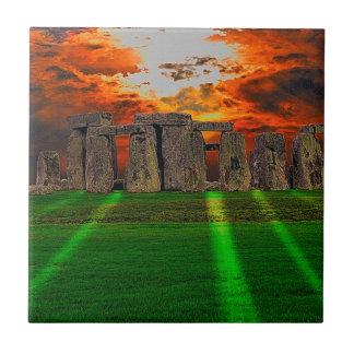 日没のStonehengeの永続的な石 タイル
