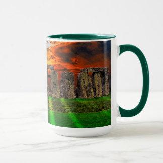 日没のStonehengeの永続的な石 マグカップ