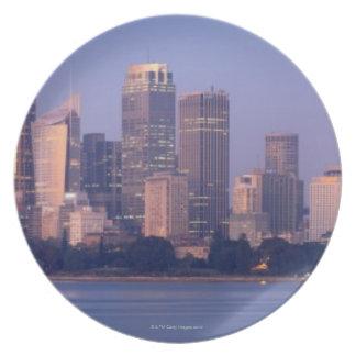 日没、オーストラリアのシドニーのスカイラインのパノラマ プレート