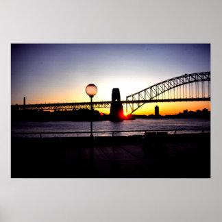 日没、シドニーのハーバーブリッジ ポスター