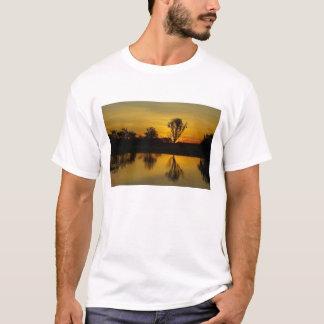 日没、黄色い水Billabong Tシャツ