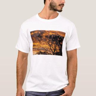 日没、Uluru-Kata Tjutaの国立公園、 Tシャツ