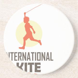 日1月第14 -国際的な凧 コースター