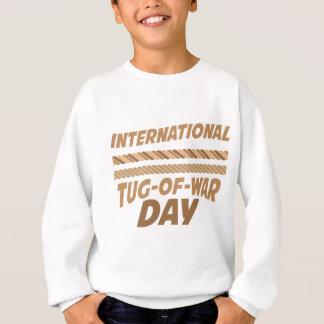 日2月19日-国際的な綱引き スウェットシャツ