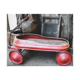 旧式で小さく赤いワゴン キャンバスプリント