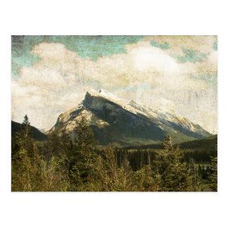 旧式で素朴な山Rundle ポストカード