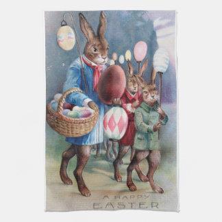 旧式なイースターのウサギパレードの郵便はがきの卵のランタン キッチンタオル