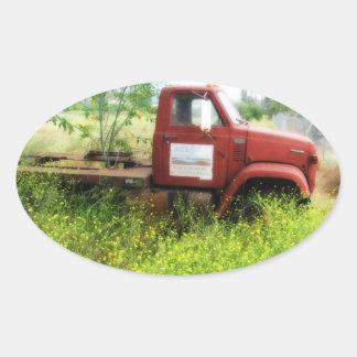 旧式なトラックおよび木の楕円形のステッカー 楕円形シール