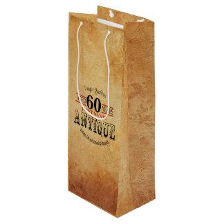 旧式なマイル標石の第60誕生日 ワインギフトバッグ