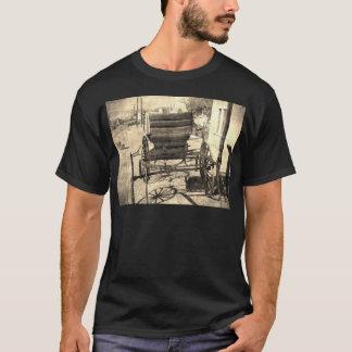 旧式な乳母車 Tシャツ