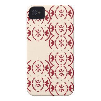 旧式な白の赤いパターンを繰り返すアールヌーボー Case-Mate iPhone 4 ケース