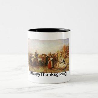 早いアメリカの歴史の感謝祭の夕食 ツートーンマグカップ