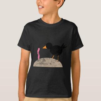 早い鳥はみみずをつかまえます Tシャツ